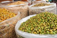 Spiced peas and assorted snacks #culinary tours to India with chef Vinod