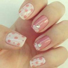 Puntos rosas y blanco
