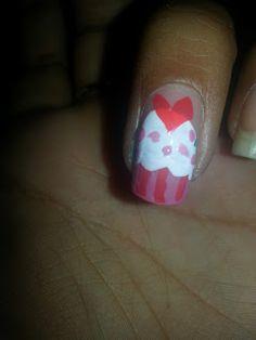 Mani Monday:: ITS MY BIRTHDAY WEEK! cupcake nails birthday nails