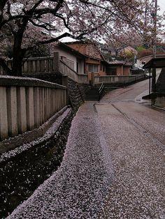 Higashi Chaya District rainy day