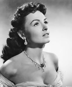 Donna Reed - so gorgeous