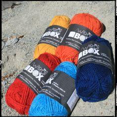 POLAR LIGHTS LOWLANDS WOOL  Filato pettinato 100% pura lana vergine Lowlands Inglese. Caratterizzata da fibra lunga antipilling