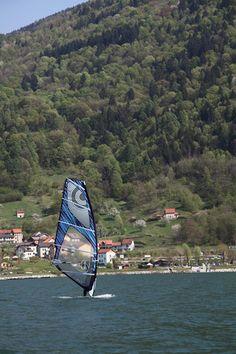 #Windsurf in #Alpago  http://www.alpagocansiglio.eu/it/sport-e-natura/sport-estivi/windsurf