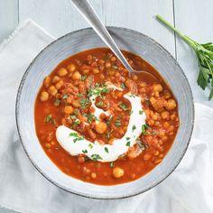 Harira soep - Leuke recepten Surprise Recipe, Soup Recipes, Vegan Recipes, Lunch Restaurants, Comfort Food, Vegan Soup, Group Meals, Diy Food, Good Food