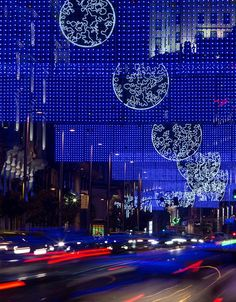 moon, Christmas lights 2014-15, Madrid, Gran Vía, design: Ben Busche/ Brut Deluxe