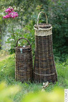 cargoleres / baskets for snails / cestas para caracoles