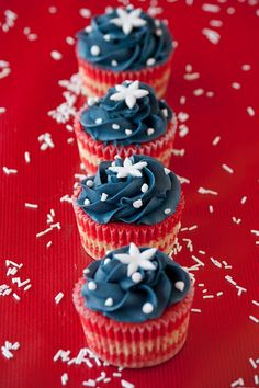 Patriotic Cupcakes.  Great for July 4th!