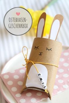 Toilet paper rolls upcycling - Easter bunnies tinker gift box: Easter is a joy for a small gift. The rabbit gift box is ideal for an Easter surprise. The Bunny Box is also suitable as a place card or as an Easter table decoration. The DIY gift box an Diy Gift Box, Diy Gifts, Paper Gift Box, Gift Boxes, Gift Tags, Easter Crafts, Crafts For Kids, Easter Gift, Summer Crafts