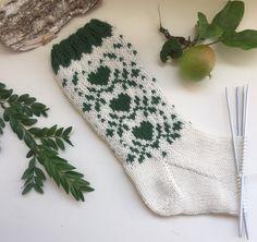 Knit Mittens, Knitting Socks, Hand Knitting, Knitting Patterns, Fair Isle Knitting, Crochet Pattern, Christmas Stockings, Diy And Crafts, Monogram