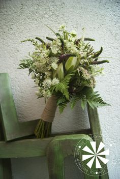 bukiet ślubny Wreaths, Home Decor, Decoration Home, Door Wreaths, Room Decor, Deco Mesh Wreaths, Home Interior Design, Floral Arrangements, Garlands