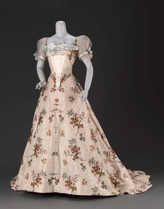 Woman's dress about 1902 Designed by Jean-Philippe Worth