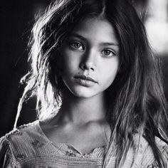 laneya grace -A real beauty Laneya Grace, Black And White Portraits, Black And White Photography, Children Photography, Portrait Photography, Portrait Inspiration, Child Models, Beautiful Children, Beautiful Eyes