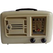 Repaired/Refurbished 1941 Emerson Tube Radio Model 336 (White Plaskon)