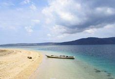 Não cansamos de mostrar a praia de Nuha Nera Lembata Island na Indonesia!  #wanderlust #viagem #viajar #trip  #travel #asia #wonderfulindonesia #lembata #snorkeling #sea #ocean #beach #snorkeling #viajantesdubbi