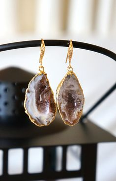 Shimmering Aurora Agate Geode Earrings Agate Druzy by VintagePinch, $67.99 #etsy #want #new #trendy #fashionfinds #musthave #weddingblogger #fashionblogger #fblogger #latina #latinablogger #momfashion #momblogger #jewelry