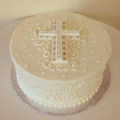 First Holy Communion. Boys First Communion Cakes, Boy Communion Cake, First Communion Party, Comunion Cakes, Religious Cakes, Confirmation Cakes, Girl Cakes, Celebration Cakes, Fondant
