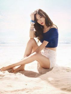 'Legs battle' SNSD in their beach wears! Sexy! - Latest K-pop News - K-pop News | Daily K Pop News