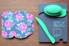Com as vincadoras da WE R é possível criar caixinhas lindas!  Acesse a loja www.seriloncrafts.com e adquira a sua ferramenta!
