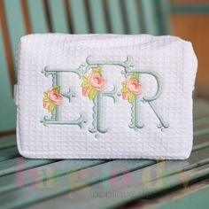 Hang to Dry Applique - Floral Scalloped Monogram (http://www.hangtodryapplique.com/floral-scalloped-monogram/)