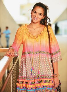 Bruna Marquezine. Vestido Antropologie