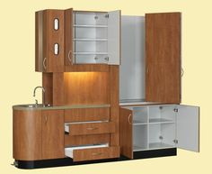 Woodway Dental Cabinetry makes custom dental cabinets for your practice. Clinic Interior Design, Clinic Design, Modern Interior Design, Dental Office Decor, Medical Office Design, Dental Cabinet, Optometry Office, Dental Design, Hospital Design