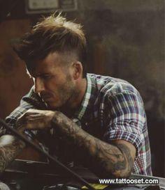 David Beckham/ plaid shirt rolled up/ rugged beard/ amazing mohawk. Well done Mohawk Hairstyles, Latest Hairstyles, Men's Mohawk, Hairstyle Men, Style Hairstyle, Popular Hairstyles, Ta Moko Tattoo, Beautiful Men, Beautiful People