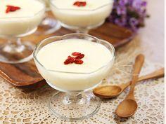 Wolfberries Milk Pudding