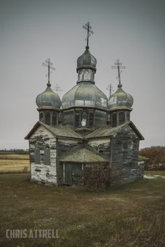 Photos of some abandoned and infrequently used rural Churches in Saskatchewan Abandoned Churches, Abandoned Cities, Old Churches, Landscape Photography Tips, Landscape Photos, Scenic Photography, Night Photography, White Photography, Norway Hotel