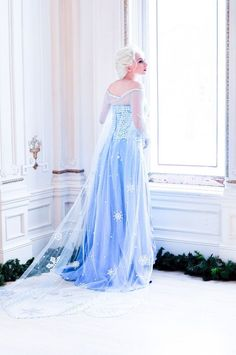 Halloween Elsa costume for adult with cape 2014 - tulle, snowflakes #2014 #Halloween