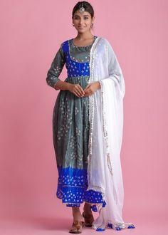 #grey #readymade #anarkali #suit #stylish #indian #salwar #kameez #eid #dresses #pakistani #suits #heavy #work #dupatta #ootd Silk Anarkali Suits, Silk Dupatta, Pakistani Suits, Bandhani Dress, Readymade Salwar Kameez, White Kurta, Red Suit, Silk Pants, Colored Pants