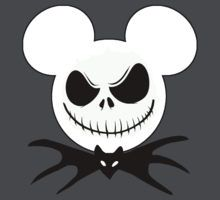 Mickey Mouse Halloween: Gifts Merchandise Mickey Mouse dressed as Jack Skellington by sweetsisters Mickey Mouse Halloween, Mickey Y Minnie, Disney Halloween, Holidays Halloween, Halloween Crafts, Halloween Decorations, Disney Diy, Disney Crafts, Disney Trips