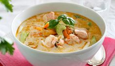 Suppe - The world's most private search engine Cup Of Soup, Fish Dishes, Cheeseburger Chowder, Hummus, Food Inspiration, Thai Red Curry, Meal Planning, Chili, Nom Nom