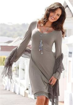 Vivien Caron Stretch-Kleid Stretches, Dresses With Sleeves, Style Inspiration, Long Sleeve, Fashion, Moda, Sleeve Dresses, Long Dress Patterns, Fashion Styles