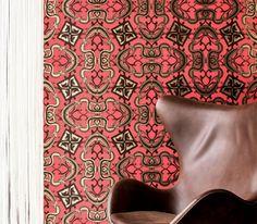 Snake Bit wallpaper hand-screened in Copperhead by Flavor Paper. #design #interiordesign #interiordesignmagazine #wallpaper #decor @flavorpaper
