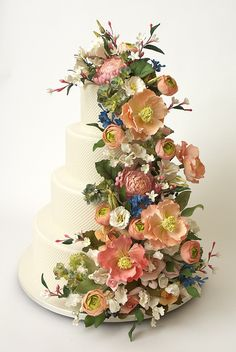 Stunning Floral Wedding Cake.