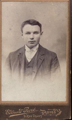 CDV jeune homme Edouard Rozé Troyes portrait photo
