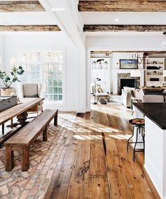 33 Stunning Farmhouse Interior Design Ideas To Realize Your Dreams – Dream House Rustic Country Kitchens, Kitchen Rustic, Kitchen Modern, Country Homes, Country Decor, Country Style, Farmhouse Interior, Farmhouse Homes, Farmhouse Style