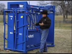 "The Ultimate Cattle Working Machine ""The Priefert SC11 Squeeze Chute"" - YouTube"