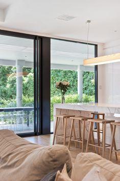 Toorak Gardens Residence - Studio Nine Architects Kitchen Dinning Room, New Kitchen, Architect Jobs, Breakfast Bar Kitchen, Decor Interior Design, Kitchen Interior, Architects, Gardens, Kitchenette
