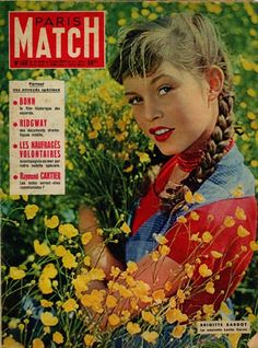 Brigitte Bardot en couverture de Paris-Match en 1952, photo Walter Carone