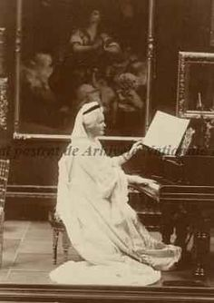 Regina Elisabeta a României, s. Romanian Royal Family, Royals, Diy, Crafts, Home, Manualidades, Bricolage, Do It Yourself, Handmade Crafts