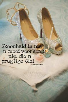 For those I don't feel pretty days Good Morning Inspirational Quotes, Inspiring Quotes, Afrikaanse Quotes, Goeie More, Chanel Ballet Flats, Hart, South Africa, Verses, Contrast