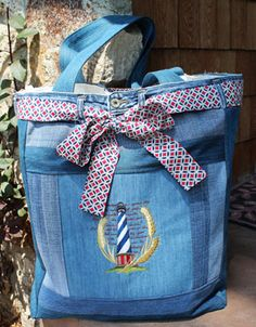 Free project instructions to make a denim tote bag.