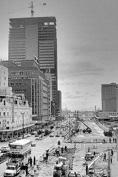 Widening of Adderley str. Cape Town South Africa, Out Of Africa, Most Beautiful Cities, Back In Time, African History, Live, Old Houses, Old Photos, Bazaars
