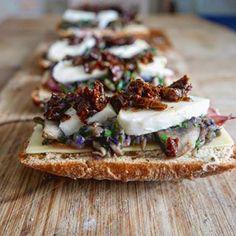 #mozarellacheese#pomodorisecchi#lovecooking#foodporn#breakfast