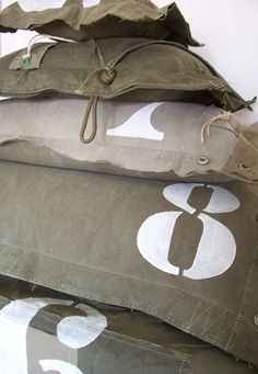 Love these army surplus inspired pillows! Need for my boys room Military Bedroom, Camo Rooms, Army Decor, Wessel, Army Surplus, Textiles, Home And Deco, Kidsroom, My New Room