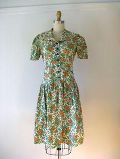 1930s dress / floral cotton dress.