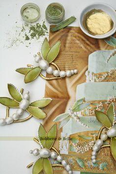 Google Image Result for http://bobbetteandbelle.com/blog/wp-content/uploads/2010/03/dragonfly-cake-bobbettebell1.jpg