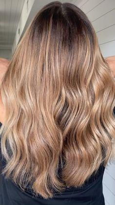 Balayage Hair Brunette With Blonde, Balayage Hair Caramel, Blonde Balayage Highlights, Dark Blonde Hair, Carmel Hair, Carmel Blonde, Ombre Hair Brunette, Balyage Long Hair, Boliage Hair