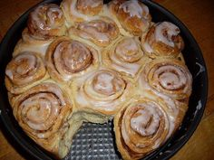 Zimtrollen-Kuchen 38 easy 3 ingredients easy for a crowd easy healthy easy party easy quick easy simple Quick Cinnamon Rolls, Vegan Cinnamon Rolls, Easy Cake Recipes, Baking Recipes, Dessert Recipes, Dessert Nouvel An, Simple Muffin Recipe, Gateaux Cake, Food Cakes